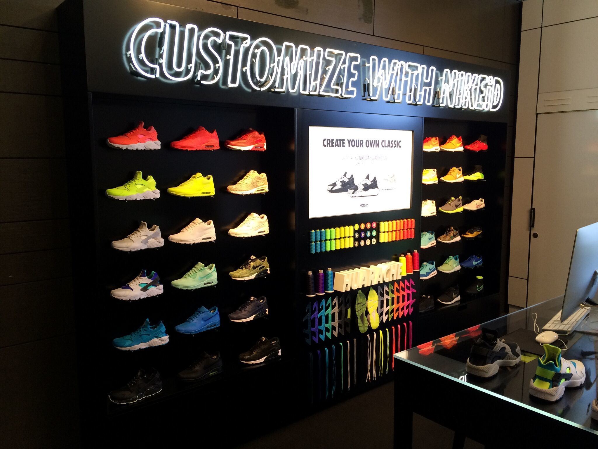 Retail Lighting Solutions/ Nike ID/ Hotel Creative