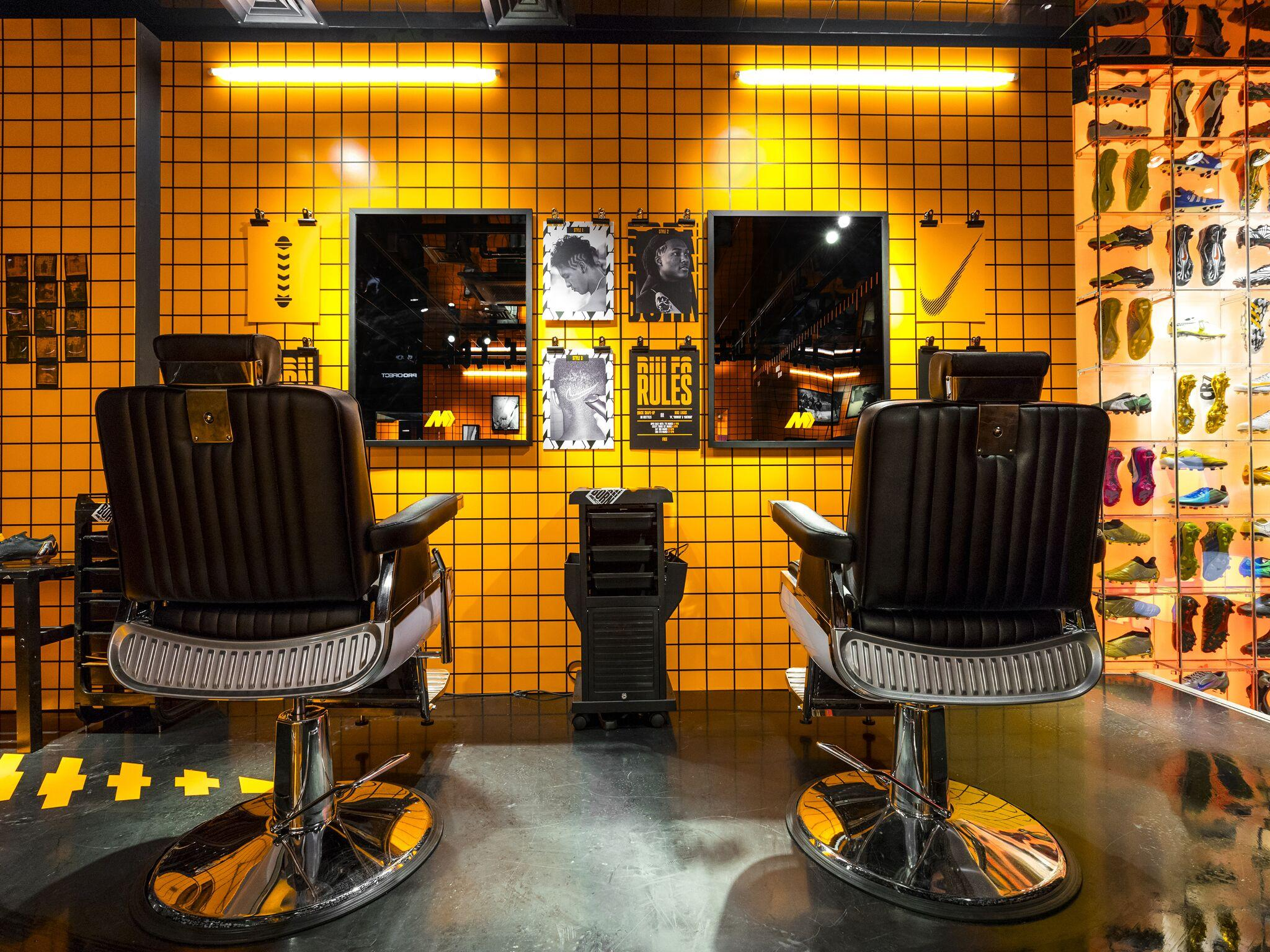 Retail Display Production Mercurial Barber Chairs