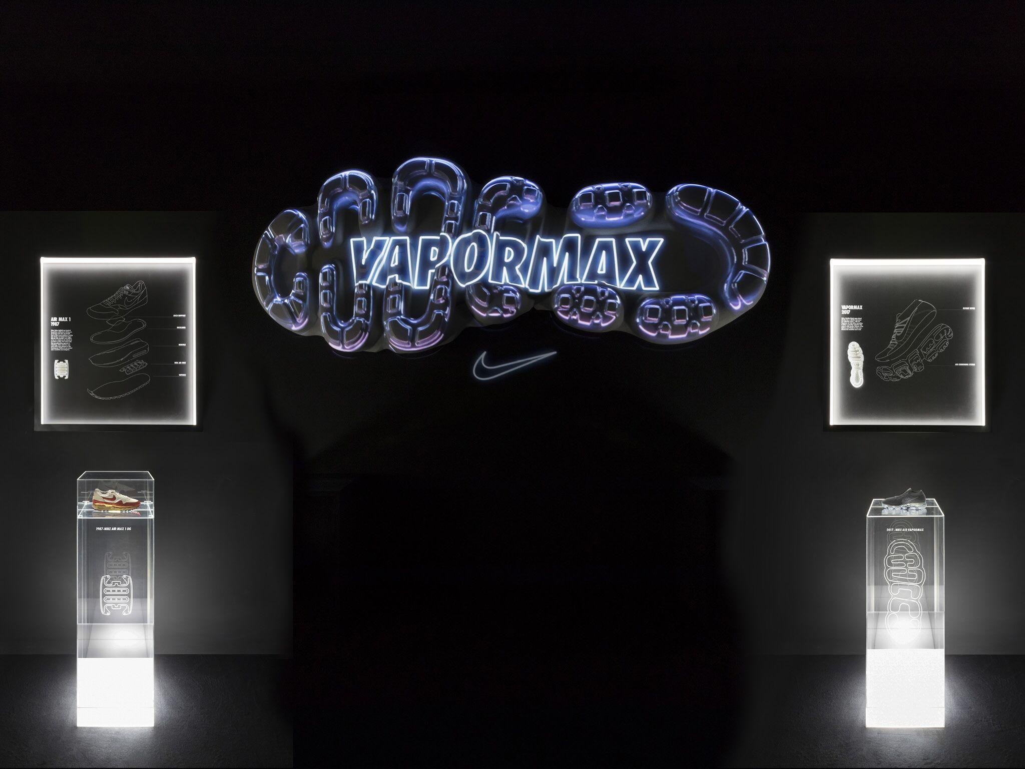 Retail Display Production Amd 17 Vapormax Sole