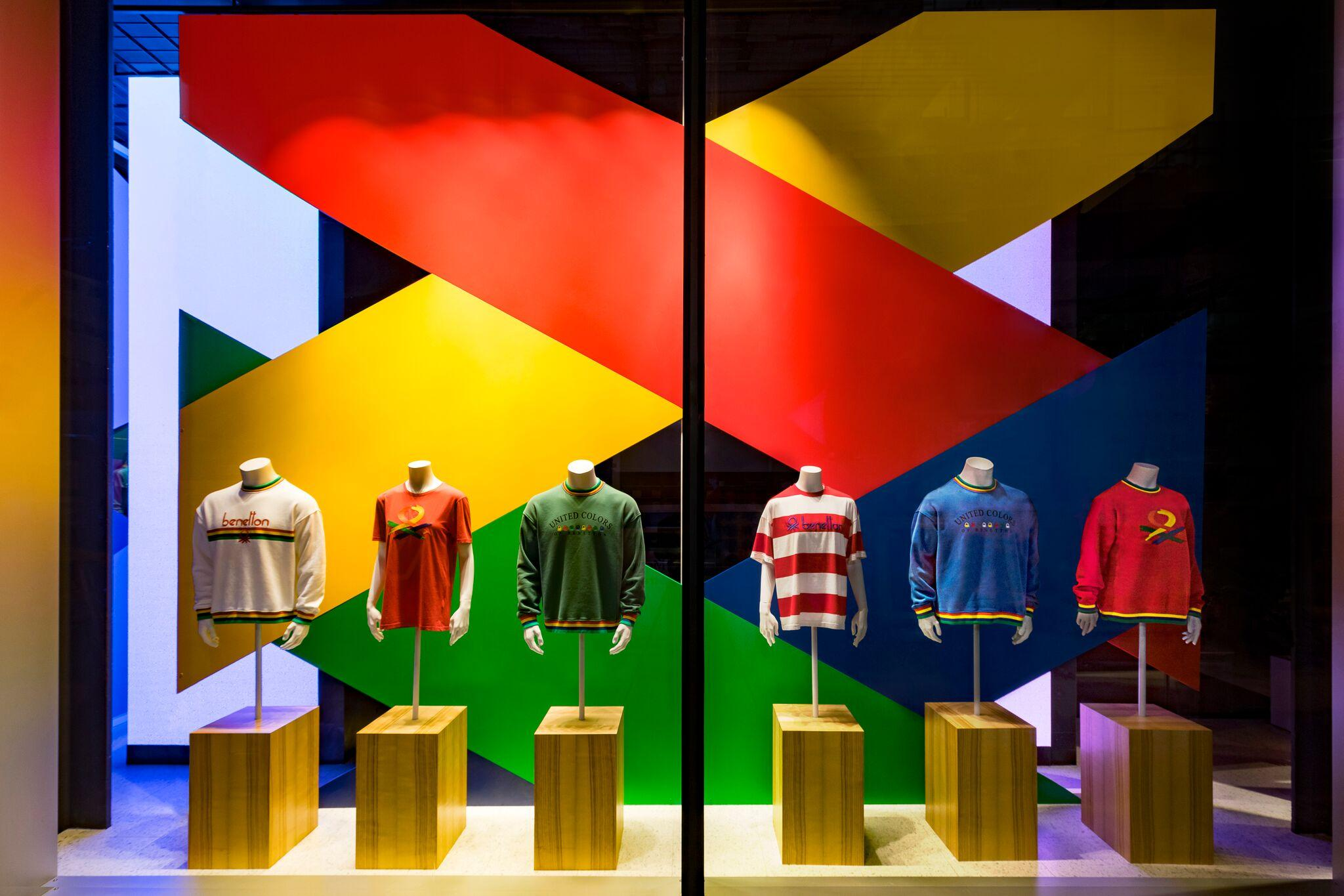 Retail Display Production Benetton Window Plinth Straight On